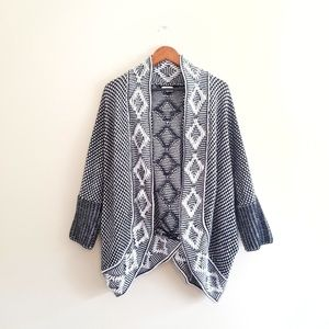 Crown & Ivy Cocoon Cardigan Sweater Black White